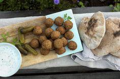 Ukemeny for uke 11 Falafel, Tapas, Almond, Stuffed Mushrooms, Vegetables, Food, Drink, Stuff Mushrooms, Beverage
