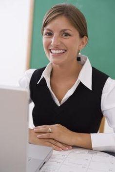 Teaching Career, Kindergarten Classroom, Teaching Ideas, Classroom Ideas, Teacher Introduction Letter, Preschool Craft Activities, Parent Teacher Communication, Letter To Parents, 3rd Grade Classroom