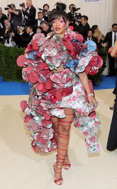 Rihanna veste Comme des Garçons