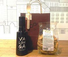 7€ ACEITE OLIVA VIRGEN EXTRA 25CL + BAGUETTINAS DE TOMATE Y OLIVAS NEGRAS. Para que tus anfitriones disfruten de tu detalle cuando quieran. #regalospersonalizado #regalosoriginales #comida