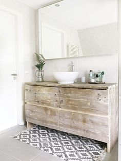 Half bathroom ideas and they're perfect for guests. They don't have to be as functional as the family bathrooms, so hope you enjoy these ideas. Update your bathroom decor quickly with these budget-friendly, charming half bathroom ideas Wood Bath, Wooden Bathroom, Boho Bathroom, Bathroom Wall Decor, Bathroom Furniture, Bathroom Interior, Home Interior, Small Bathroom, Master Bathroom