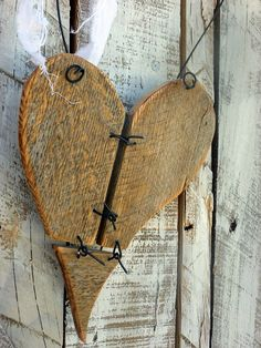 Rustic Reclaimed Wood Heart decor w/ barbed by SoPurdyCreations,