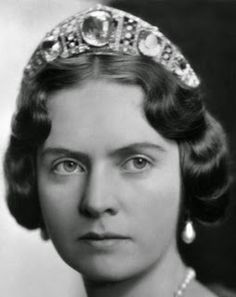 Tiara Mania: Aquamarine Kokoshnik Tiara. Princess Sibylla of Sweden; inherited by her husband, Prince Gustaf Adolf of Sweden, from his mother in 1920 and given to her after their 1932 marriage