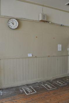 モバイルトリエンナーレin東栄町 保健室に竹田尚史さんの作品 撮影:minachom