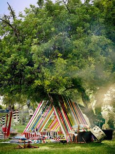 Ikea creates two diy tent ideas to try this summer either at the beach or a picnic. Discover colorful, beautifully styled images of diy tents.