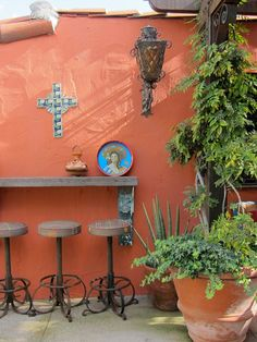 Patio Mexican Courtyard Design, Pictures, Remodel, Decor and Ideas Mexican Courtyard, Mexican Patio, Mexican Garden, Mexican Hacienda, Mexican Home Decor, Hacienda Style, Mexican Bar, Courtyard Design, Patio Design