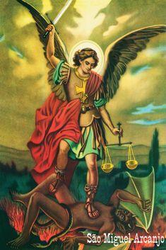 São Miguel Arcanjo. Espírito vigoroso, atravessa céus e terras inundando os seres humanos com os sentimentos de justiça e arrependimento. Ele intercede pelo nosso livre-arbítrio, defende-nos, pisando nos dragões da indecisão e da dúvida.