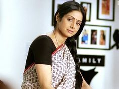 Beautiful Sridevi back with english vinglish movie. English Vinglish will be releasing on this check trailer and details World Trending News, Logan Lucky, Bollywood Movie Trailer, Everyday Feminism, English Vinglish, Movie Shots, Woman Movie, She Movie, Full Movies Download