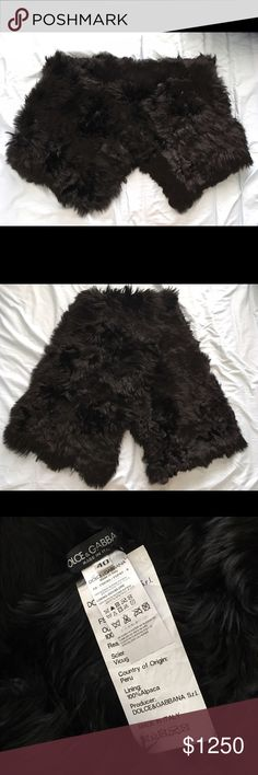 Dolce & Gabbana Fur Collar Capelet Brand new 100% authentic Dolce & Gabbana Fur Collar Capelet. Made in Italy 100% soft Alpaca fur in black. Retail tag missing but has never been worn. Fits women sizes 2-8 (tag size 40=US4) Dolce & Gabbana Jackets & Coats Capes
