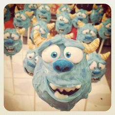 Sully from Monsters Inc! #whoopwhoop #monstersinc #cakepops #lilcutiepops