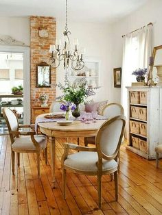 French Decor Stylish Country Cottage Home Design Inside Ideas 8 French Country Dining Room, French Country Cottage, French Country Decorating, French Farmhouse, Modern Farmhouse, Country Style, Country Kitchen, Farmhouse Chairs, Country Living