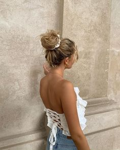 Elegant Hairstyles, Summer Hairstyles, Messy Hairstyles, Pretty Hairstyles, Hairdos, Im A Cool Girl, Blonde Curls, Bohemian Chic Fashion, How To Pose