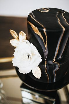 Black and Gold Wedding Cake - Sparrow and Gold Photography