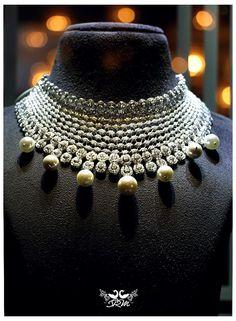 Dazzling diamonds! Bridal Necklace, Necklace Set, Wedding Jewelry, American Diamond Jewellery, Diamond Jewelry, Jewelry Accessories, Jewelry Design, Head Jewelry, India Jewelry