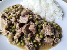 Velmi chutná masová směs, která Vám déle jak jeden den nevydrží. Vždycky, když jdete okolo pánve, tak si musíte zobnout :-) Jako přílohu doporučuji rýži, ale bude to určitě fungovat s čímkoliv. Risotto, Beef, Ethnic Recipes, Food, Meat, Meal, Eten, Meals, Ox