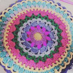 #mandala #crochet #crochetmandala #mandalatherapy #만다라#만다라치료#손뜨개#healing #daily #데일리 #소통#좋아요 #맞팔#color#colortherapy #칼라테라피 #로즐리#감성창작소
