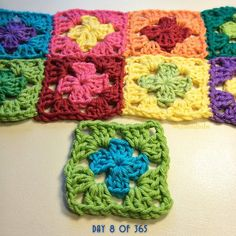 queen_babs #crochet square a day project