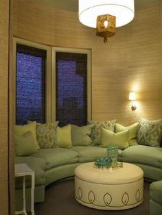 circular room for convos or hookah room.