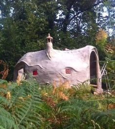 This is one of the many tiny hemp and lime bubble shelters designed and built by Evelyne Adam. More, including video, at www.naturalhomes.org/hemplimeshelter.htm