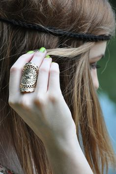 Silver Ring For Thumb Stylish Girls Photos, Stylish Girl Pic, Fashion Earrings, Fashion Jewelry, Women's Fashion, Gold And Silver Bracelets, Silver Ring, Silver Jewelry, Antique Jewelry