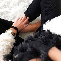 The official store of Leo Mazzotti bracelets : Bracelets combining chic and elegance for fashionista from all around the world. Only Fashion, Fashion Beauty, Womens Fashion, Style Fashion, Turquoise Glass, Nautical Fashion, Handmade Clothes, Modern Jewelry, Fashion Watches