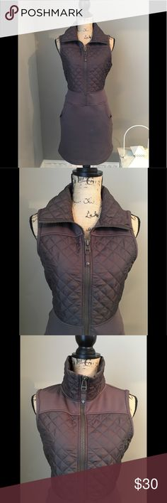 Athleta Dress Athleta Dress with quilted top vest and scuba bottom. Very nice. Very min wear. Athleta Dresses Midi