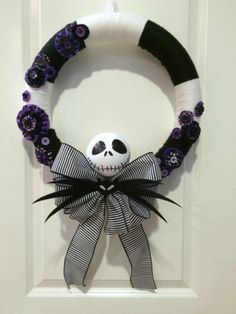 Have a little extra time this weekend?  You can whip up this great Jack Skellington wreath in no time!
