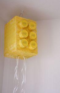 lego-piñata