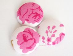 Rose vintage fabric buttons x3 large button 1 by CocoFlowerButtons
