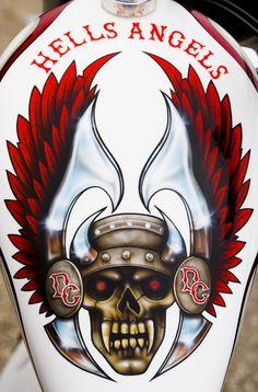 Support 81 Worldwide – HAMC – Hells Angels never Die … – Shoes Outlaws Motorcycle Club, Motorcycle Tank, Motorcycle Clubs, Hawk Photos, Angels Logo, Harley Davidson Art, Biker Clubs, Hells Angels, Custom Paint Jobs