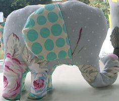 Handmade Elephant | Free Pattern | BonsaiHewes
