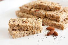Chewy+Almond+Poppy+Seed+Granola+Bars+(Lemon+Poppy+Seed+variation+too)