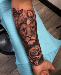 Este posibil ca imaginea să conţină: 1 persoană - tatoo feminina Dope Tattoos, Forarm Tattoos, Leo Tattoos, Arm Sleeve Tattoos, Dream Tattoos, Badass Tattoos, Pretty Tattoos, Finger Tattoos, Body Art Tattoos