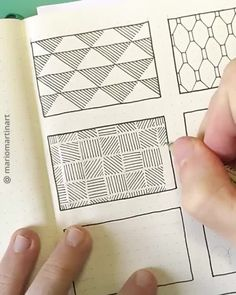 designs to draw patterns doodles easy Easy Doodle Art, Doodle Art Designs, Doodle Art Drawing, Zentangle Drawings, Doodle Patterns, Mandala Drawing, Pencil Art Drawings, Cool Art Drawings, Zentangle Patterns