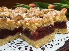 Almás-meggyes pite   mókuslekvár.hu Krispie Treats, Rice Krispies, Yummy Treats, Paleo, Cherry, Recipes, Food, Mascarpone, Essen