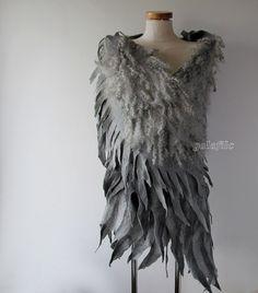 https://flic.kr/p/vptkxY | felted scarf - grey wings