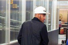 Neymar llega a Barcelona tras pasar dos meses en Brasil