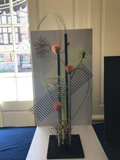 Tapestry Design, Floral Designs, My Design, Glass Vase, Home Decor, Creative Flower Arrangements, Product Display, Floral Design, Creativity