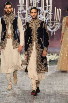 TARUN TAHILIANI 2016 couture collection INDIA COUTURE WEEK
