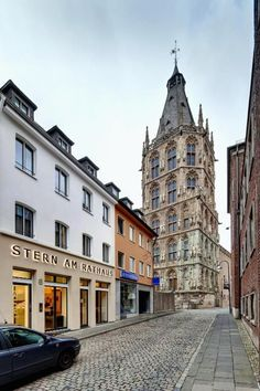This little boutique hotel (9 rooms) offers designer rooms smack in Cologne's city centre and is getting rave reviews. Big Ben, Romanesque, City, Cologne, Trip Advisor, Centre, Germany, Rooms, Boutique