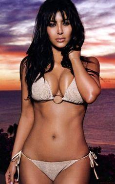 ♥ Kim Kardashian in a Sexy Bikini