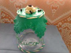 Pode de vidro para açúcar decorado em biscuit(porcelana fria),feito sob encomenda.
