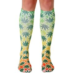 Living Royal The Rasta Mon Knee High Socks in Green (130 NOK) ❤ liked on Polyvore featuring intimates, hosiery, socks, green, green knee socks, tall socks, green hosiery, green socks and knee socks