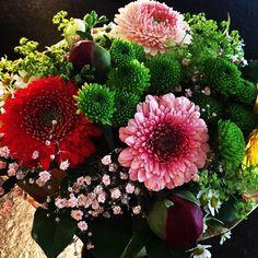 Wir wünschen euch allen einen schönen Sonntag und Muttertag Happy Sunday, Floral Wreath, Wreaths, Decor, Alps, Mother's Day, Decoration, Decorating, Door Wreaths