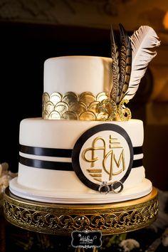 www.whiteroseproduction.com/blog #whiteroseproduction #WRP #weddingfilm #weddingphotography #weddingcinematography #weddingcake #monogramweddingcake #goldweddingcake #featherweddingcake