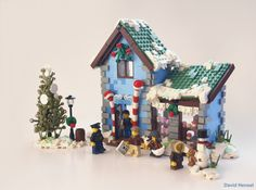 https://flic.kr/p/CzEAo3 | Winter Village Candyshop | My entry for the expand the Winter Village contest over at Eurobricks, the dreamy confectionery shop! Hey kid, you want some candy? Enjoy! David