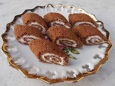 Z bílků ušleháme pevný sníh a na chvilku odložíme. Žloutky našleháme s cukrem do pěny. postupně přidáme mouku s práškem do pečiva, nakonec lehce... Tiramisu, French Toast, Muffin, Treats, Breakfast, Sweet, Ethnic Recipes, Bakken, Muffins