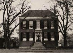 Dordrecht: Een mooi beeld van villa Weizigt uit 1950, destijds in gebruik als tbc-sanatorium aan het Van Baerleplantsoen.