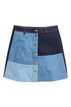 36 Takes on Spring Denim That Aren't Jeans A Line Denim Skirt, Button Front Denim Skirt, Blue Denim Skirt, Denim Outfits, Skirt Outfits, Short Skirts, Mini Skirts, Blue Skirts, Estilo Denim