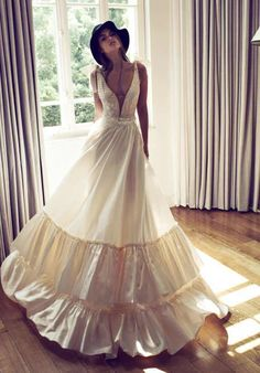 These Wedding Dresses are Undoubtedly a Fashion Statement: Zahavit Tshuba Wedding Dresses